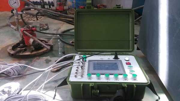计算机控制试压泵压力采集系统